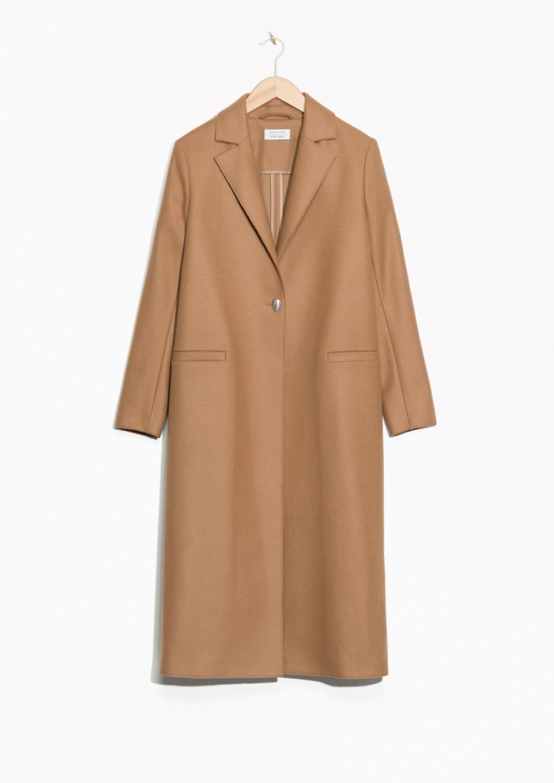 Пальто верблюжьего цвета
