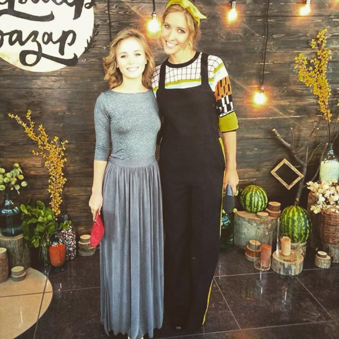Анна Кошмал с Катей Осадчей на Ферме-базар