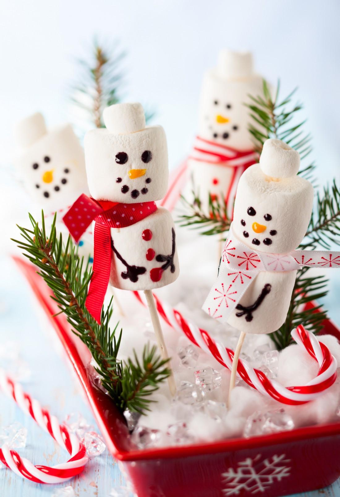 Снеговики из зефира