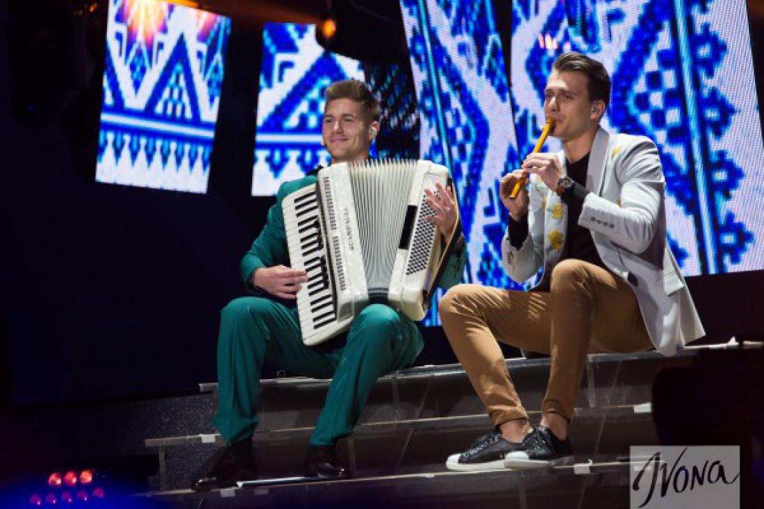 Евровидение 2017 второй полуфинал: ведущие