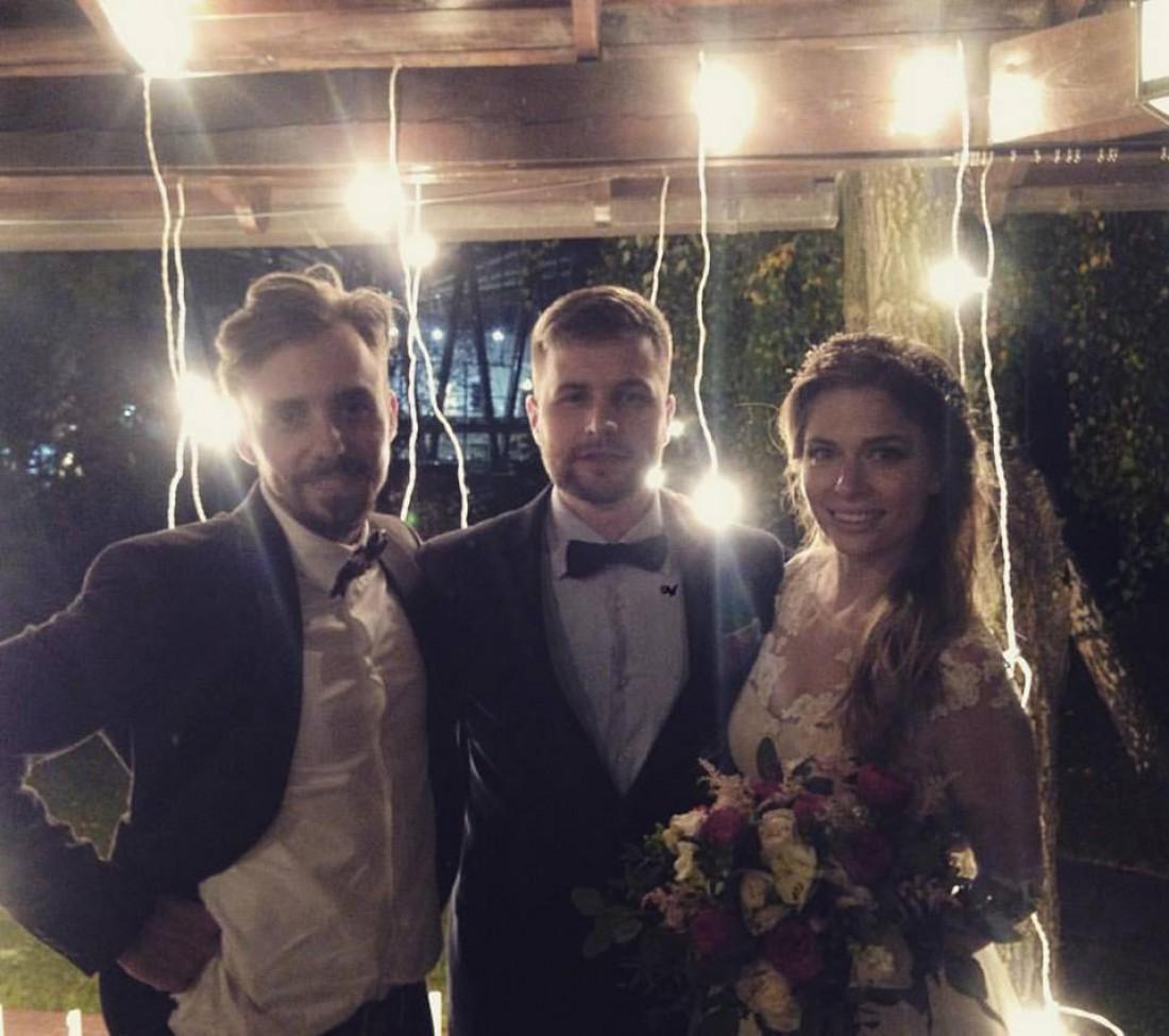 Галя с мужем Андреем (в центре)