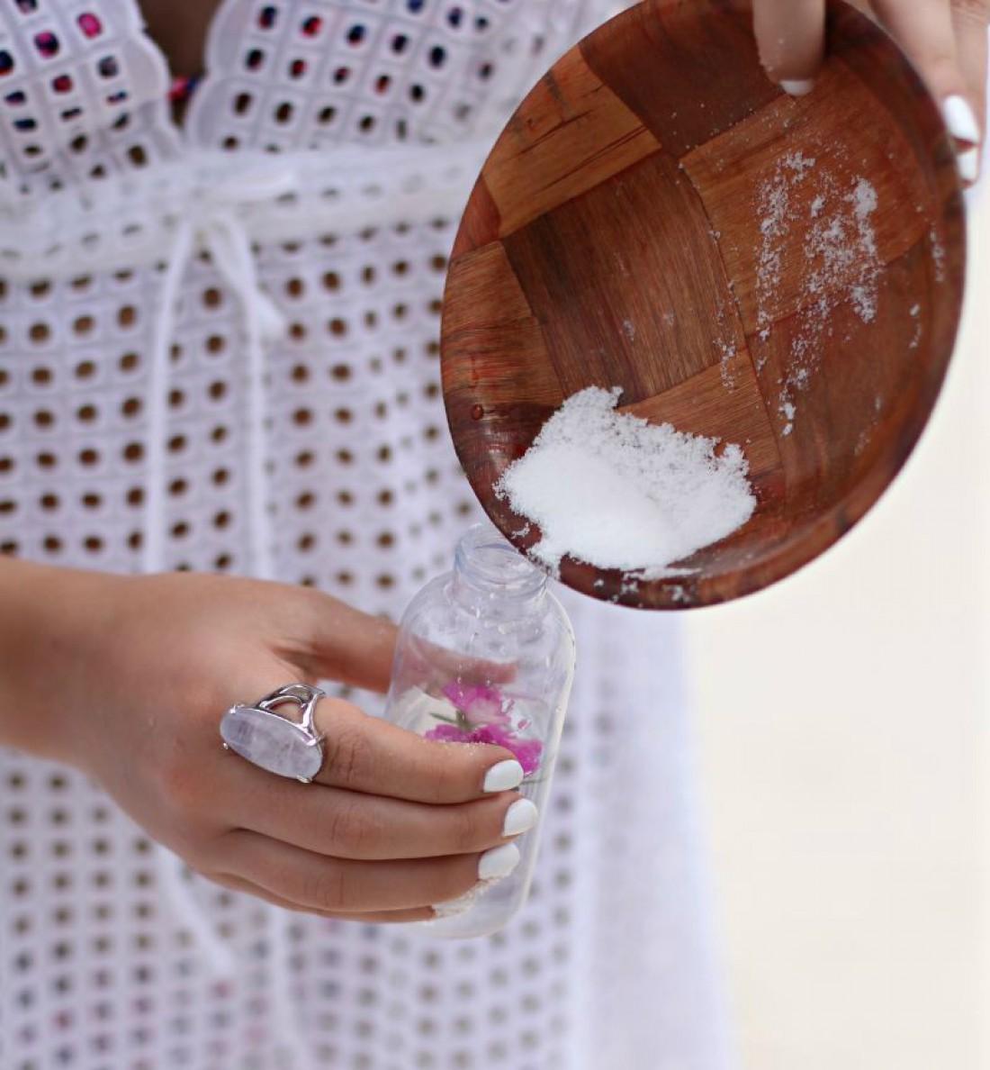 Натуральный спрей для волос придаст твоим волосам объем
