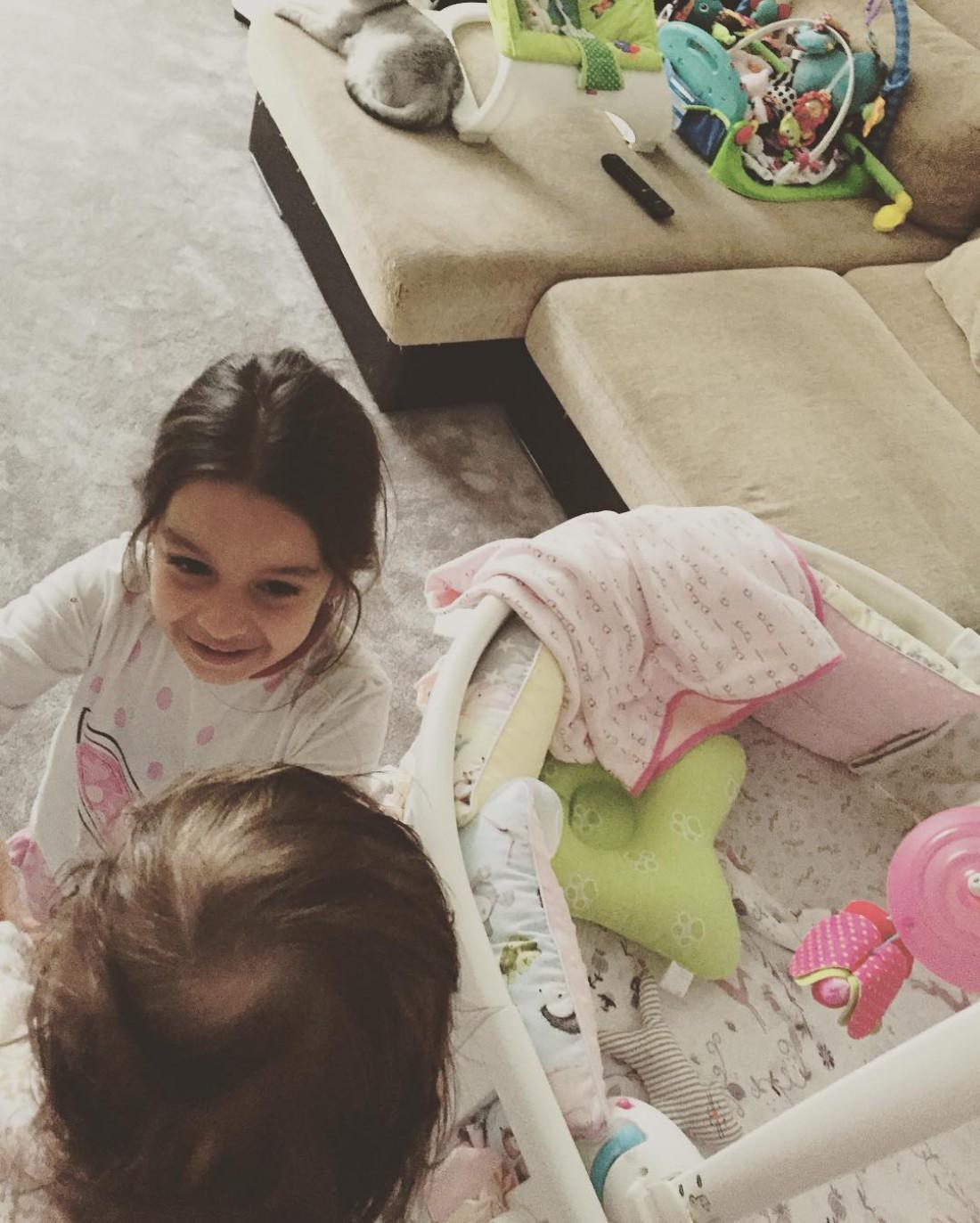 Дочери Ксении Бородиной – Маруся и Теона