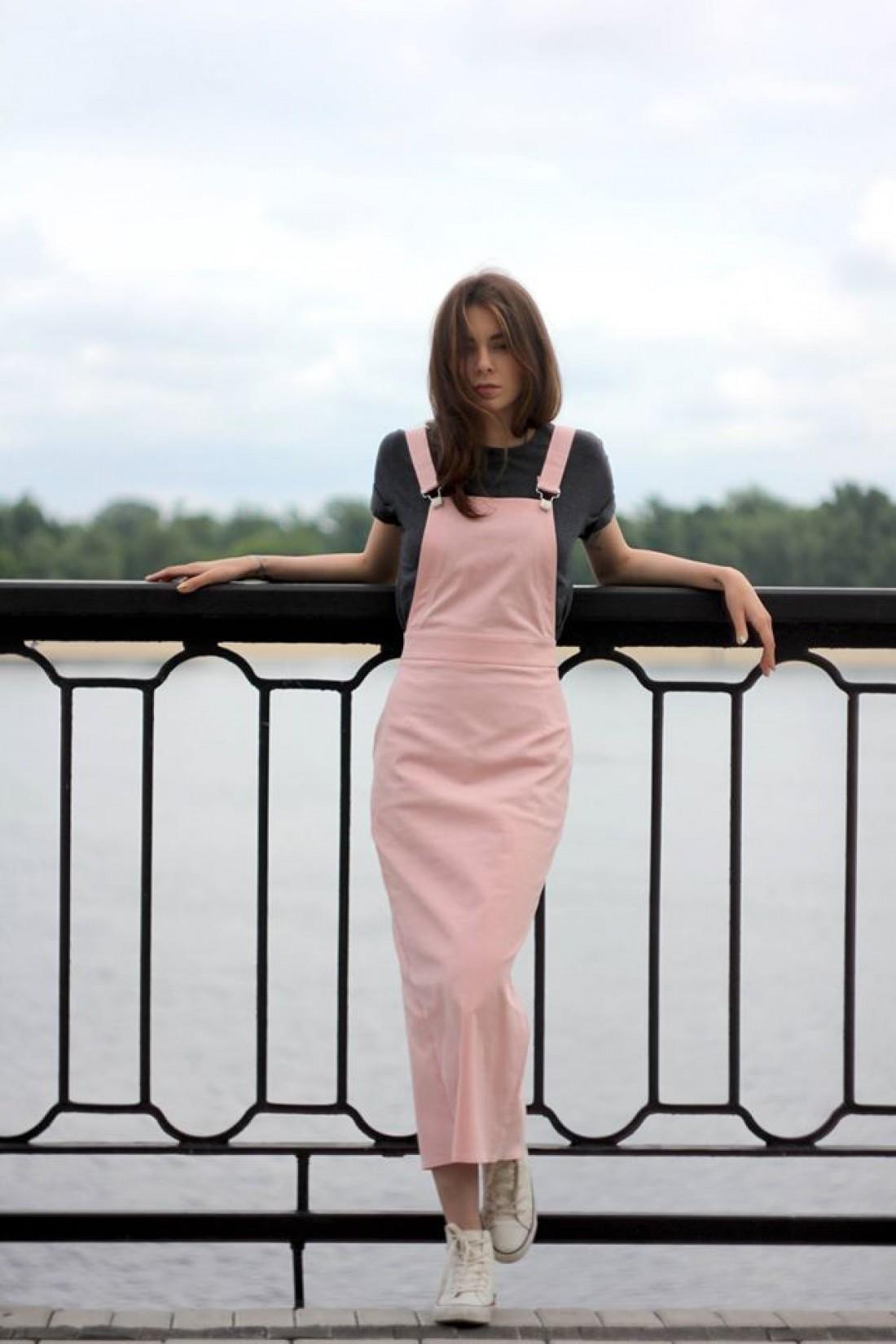 Пудровое платье-комбинезон от CooCoo