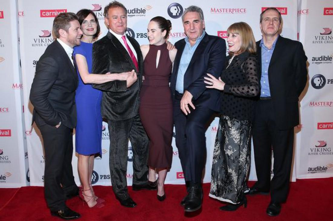 Актеры сериала Аббатство Даунтон на одном из последних совместных выходов после окончания съемок в 2015 году