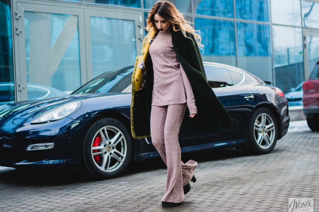 Солистка группы Время и Стекло Надя Дорофеева – пример идеального образа street style