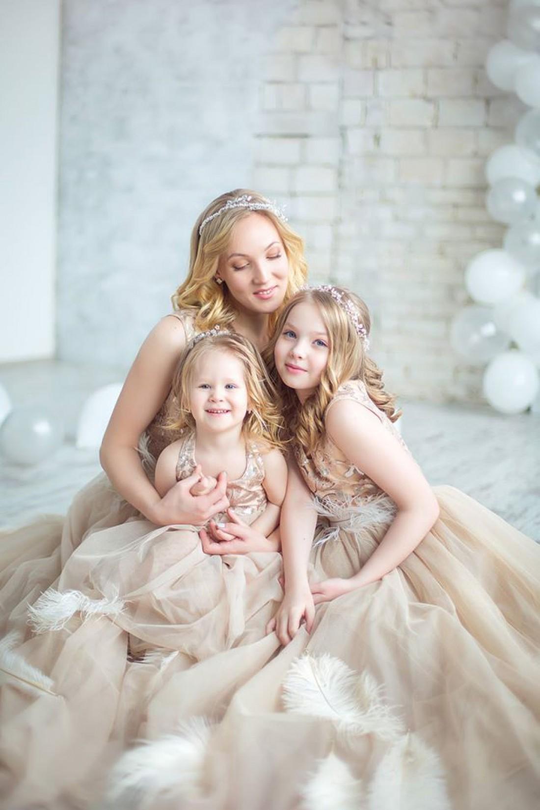 Жена и дочки Евгения Кошевого
