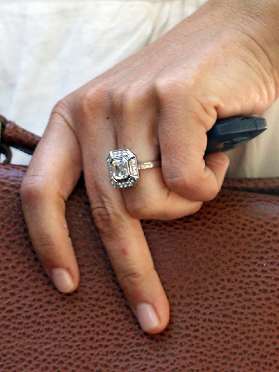 Помолвочное кольцо младшей Миддлтон