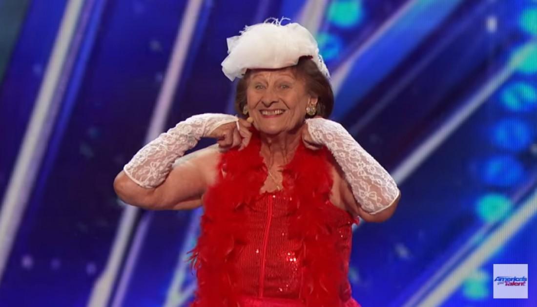 Дороти Уильям исполнила эротический танец на сцене талант-шоу