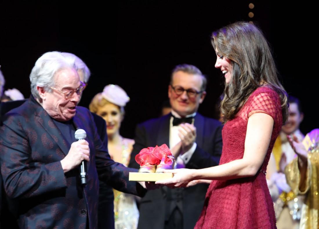 Жене принца Уильяма вручили необычный презент