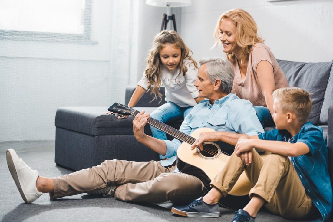 Как необычно отметить День бабушек и дедушек