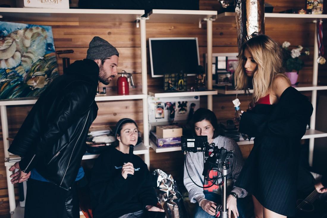 Кадр из клипа Светланы Лободы на песню Случайная