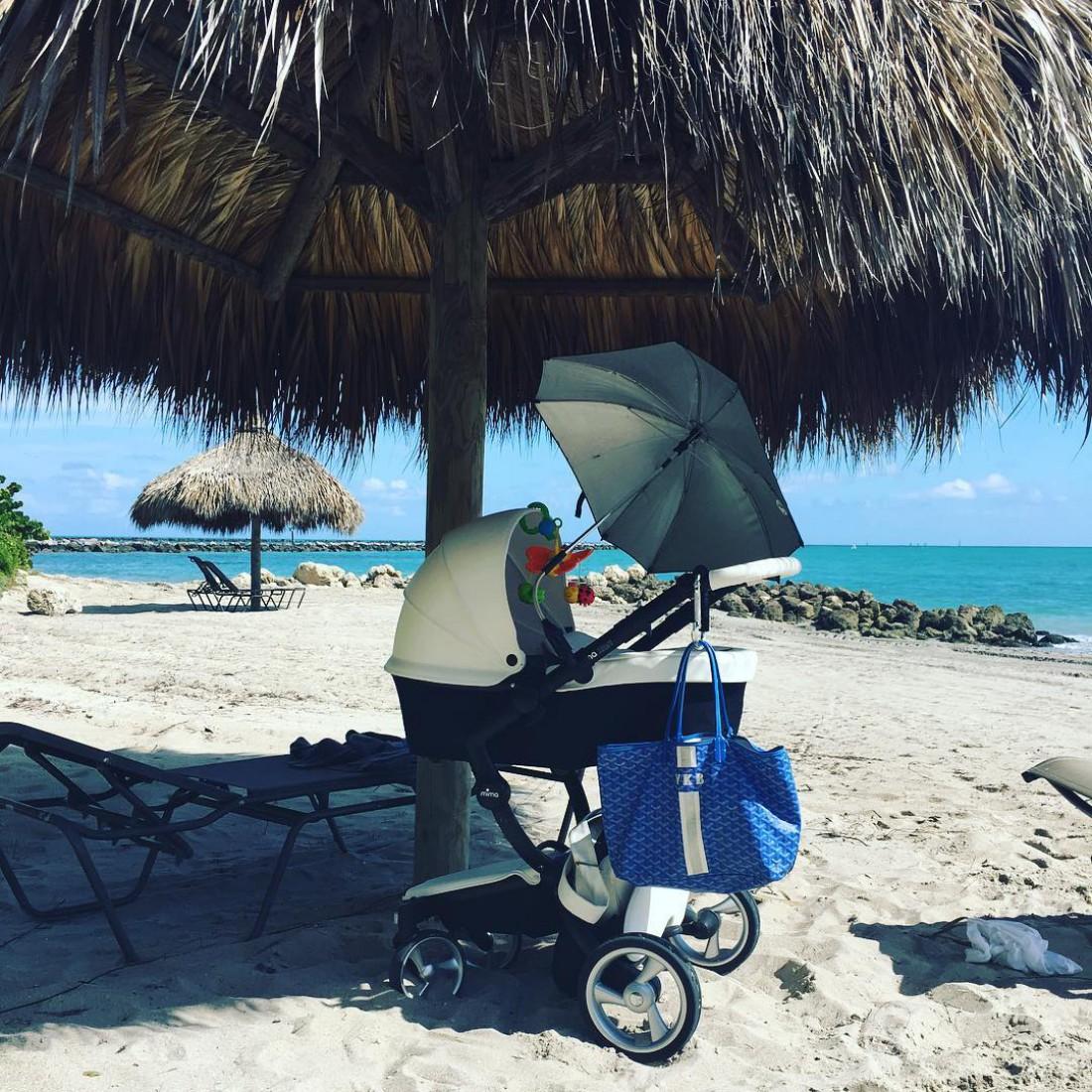 Виктория Крутая находится с новорожденной дочкой в Майами