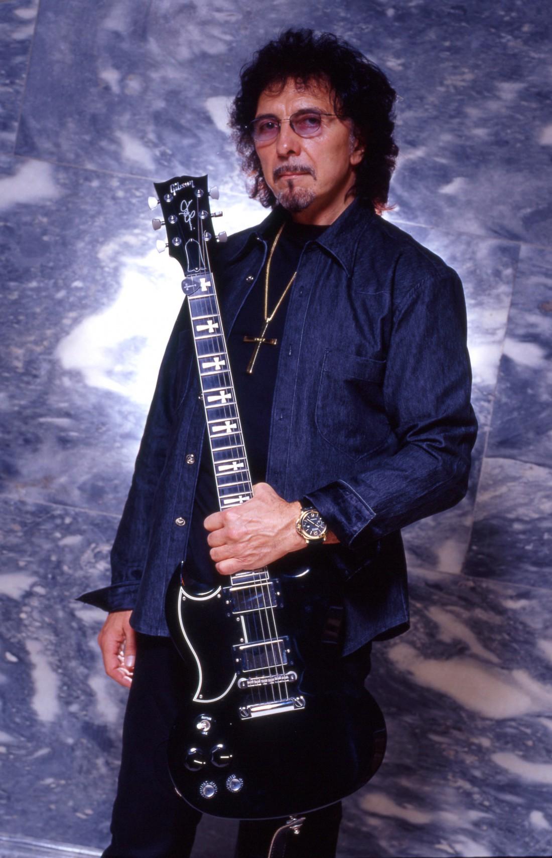 У музыканта Тони Айомми обнаружена опухоль горла