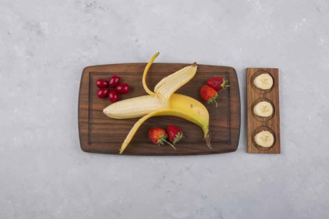Смузи: Банан + клубника + брусника + мята