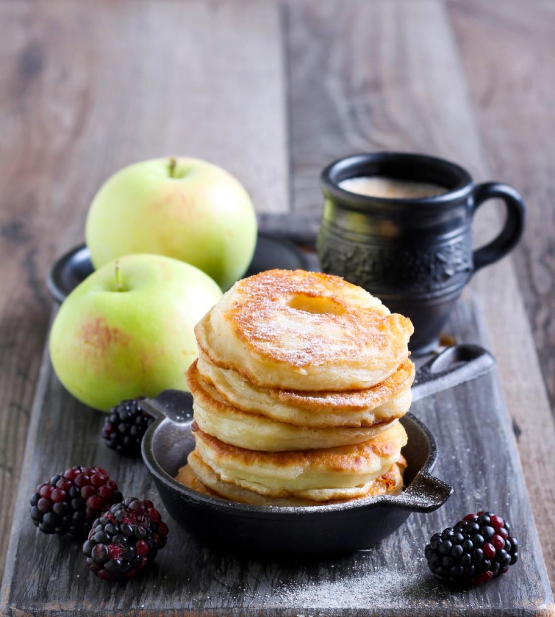 Яблочные оладьи: Рецепт