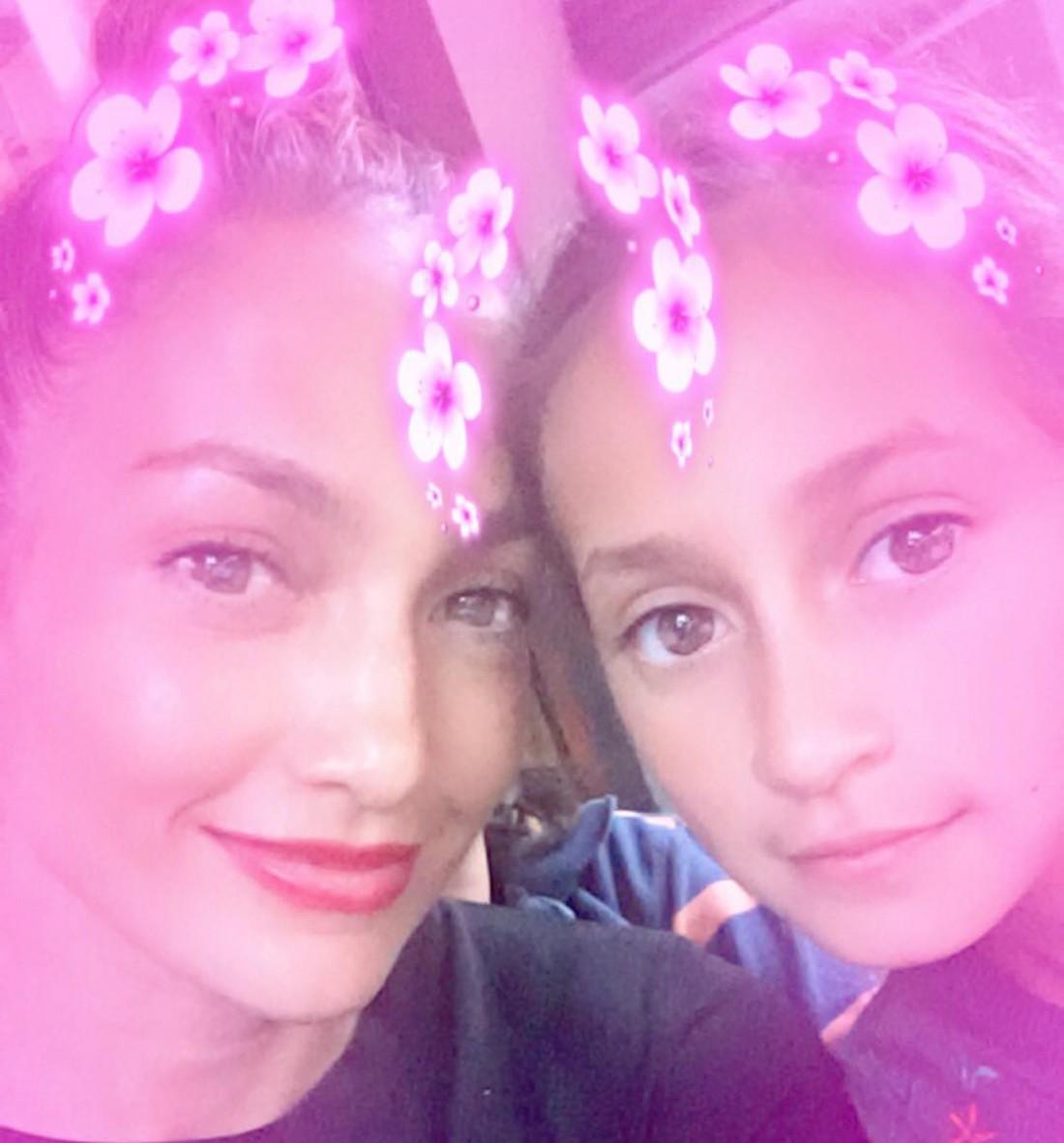 Дженнифер с дочкой Эммой