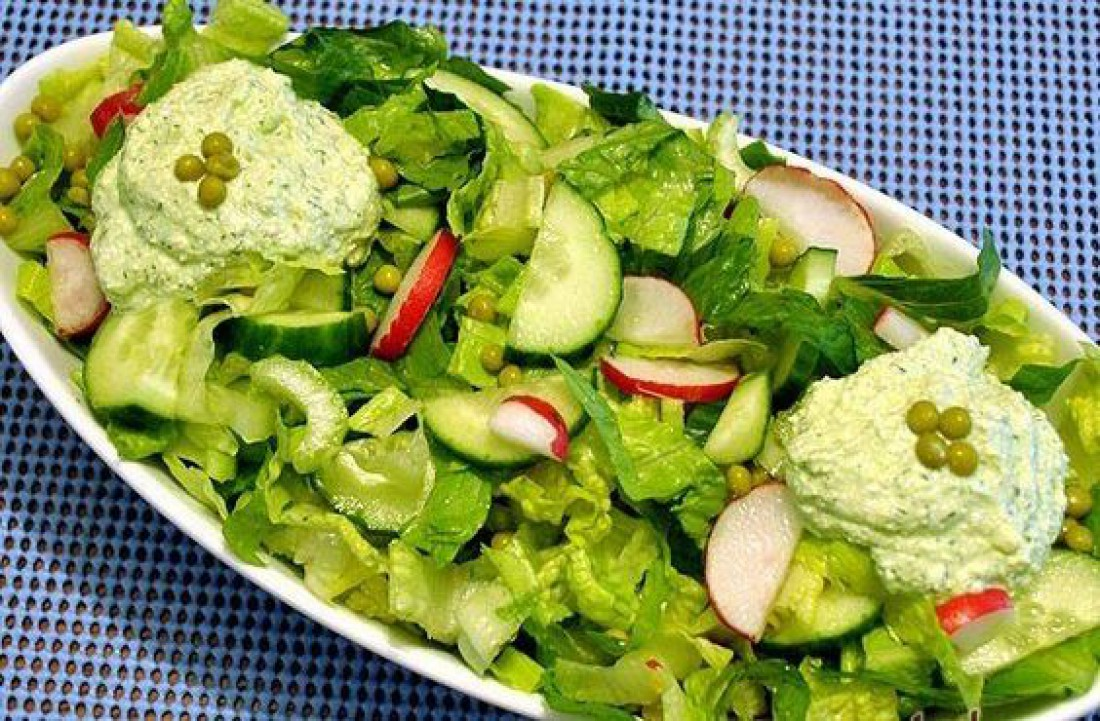 Зеленые весенние салаты: ТОП-5 рецептов