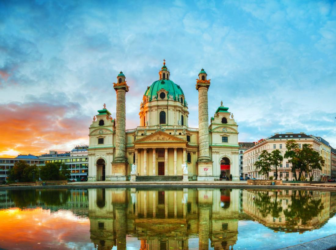 Карлскирхе в Вене, Австрия