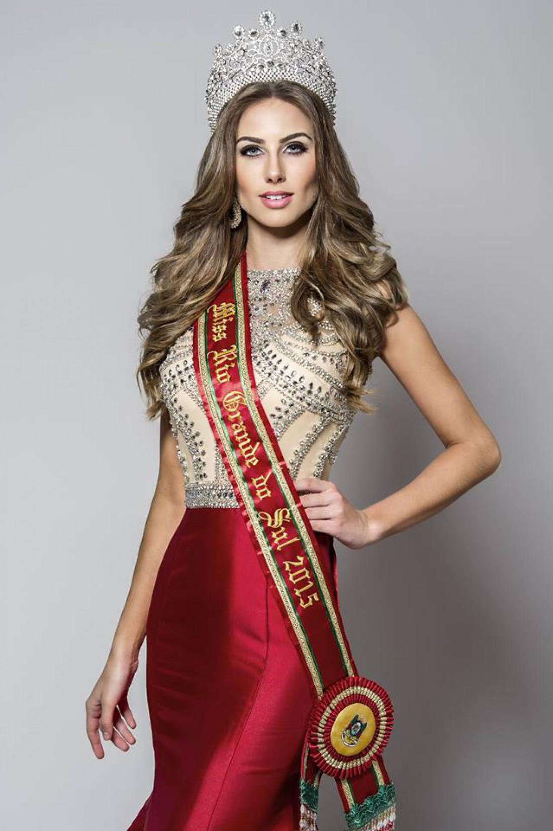 Мисс Бразилия 2015 Мартина Брандт попала в топ