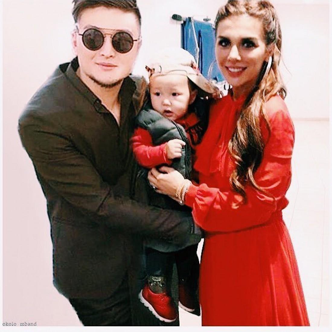 Анна Седокова с сыном и Анатолий Цой