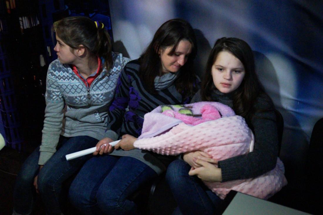 Мама в 12: скандальная история шестиклассницы