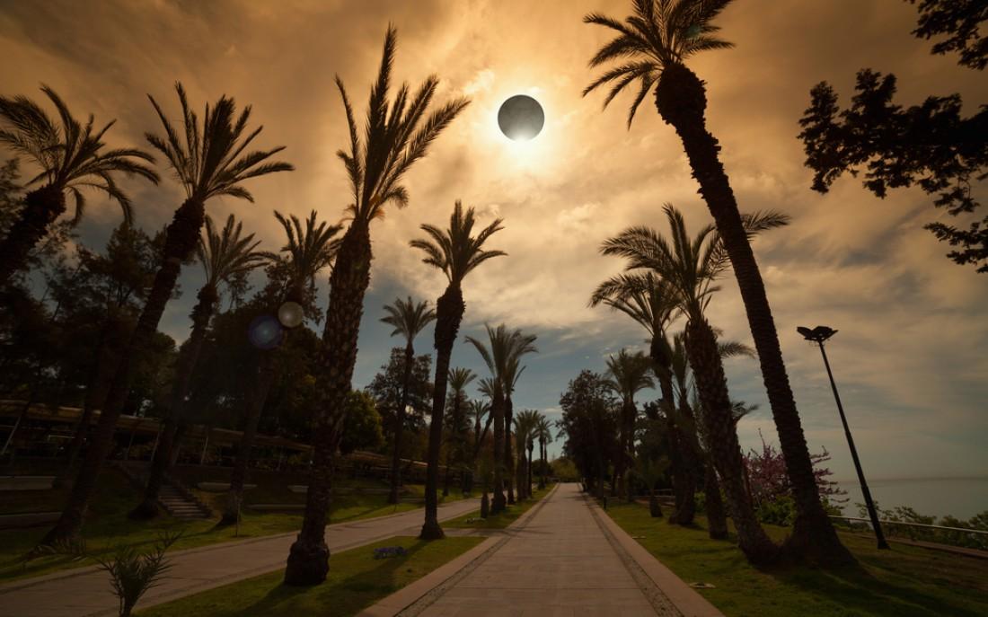 Кольцеобразное солнечное затмение: Что? Где? А главное - когда?