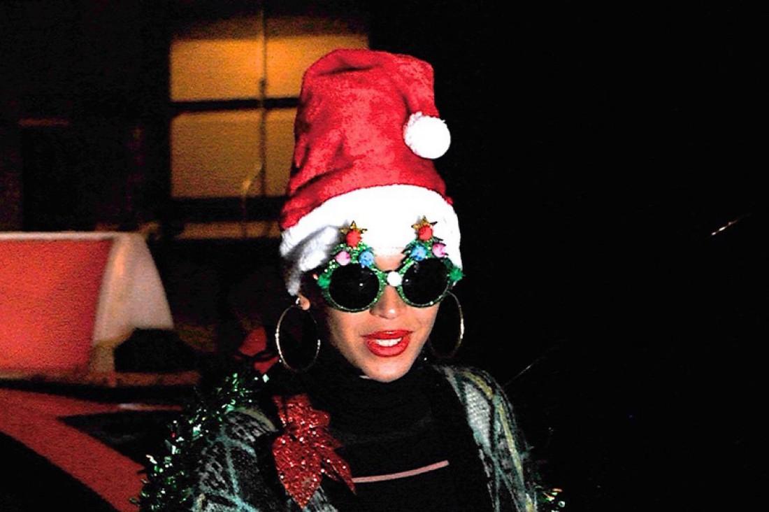Бейонсе примерила образ новогодней елки