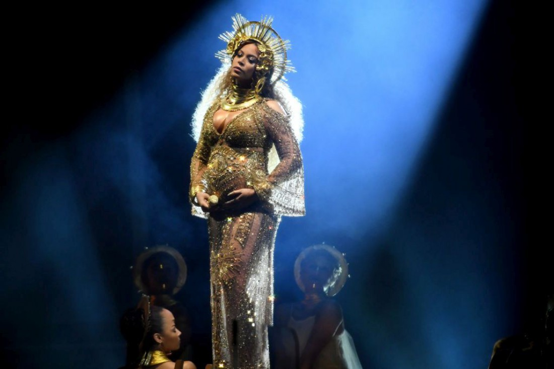 Грэмми 2017: Бейонсе в образе богини