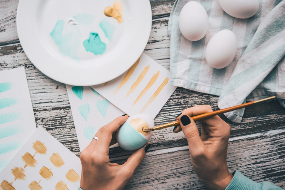 Как красить яйца на Пасху гуашью
