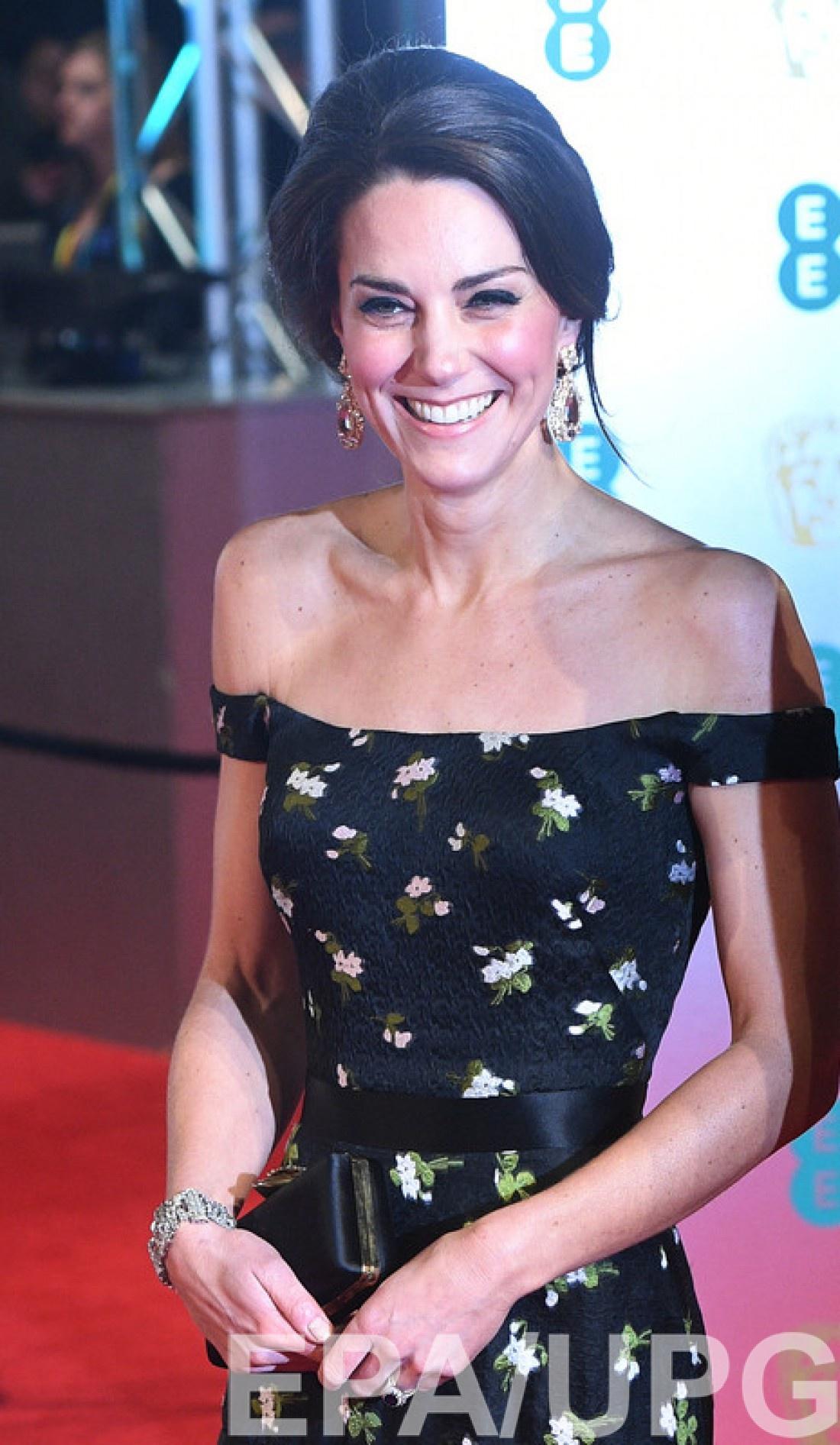BAFTA 2017: Кейт Миддлтон на красной дорожке