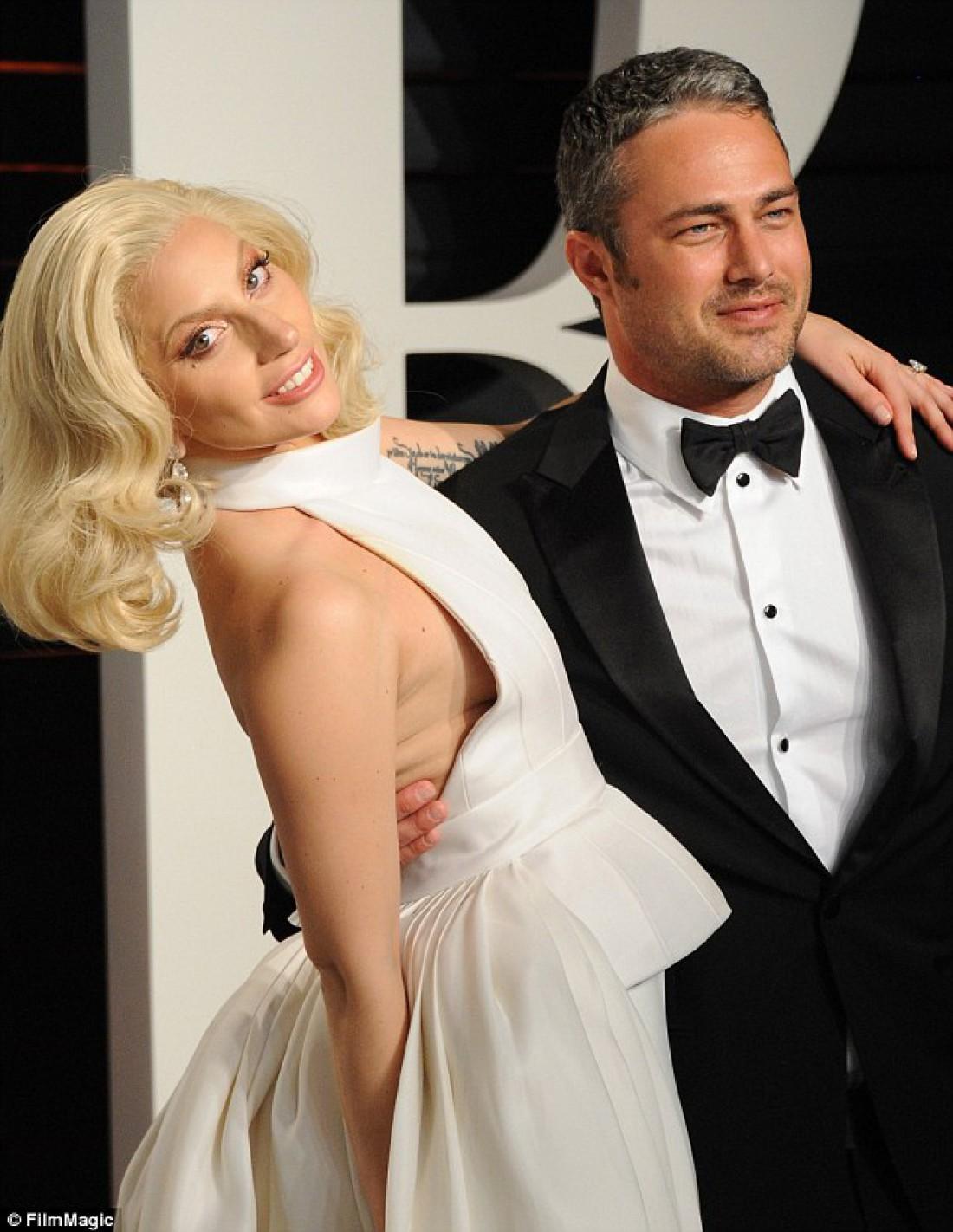 Lady Gaga и Тейлор Кинни на вечеринке в честь Оскар 2016