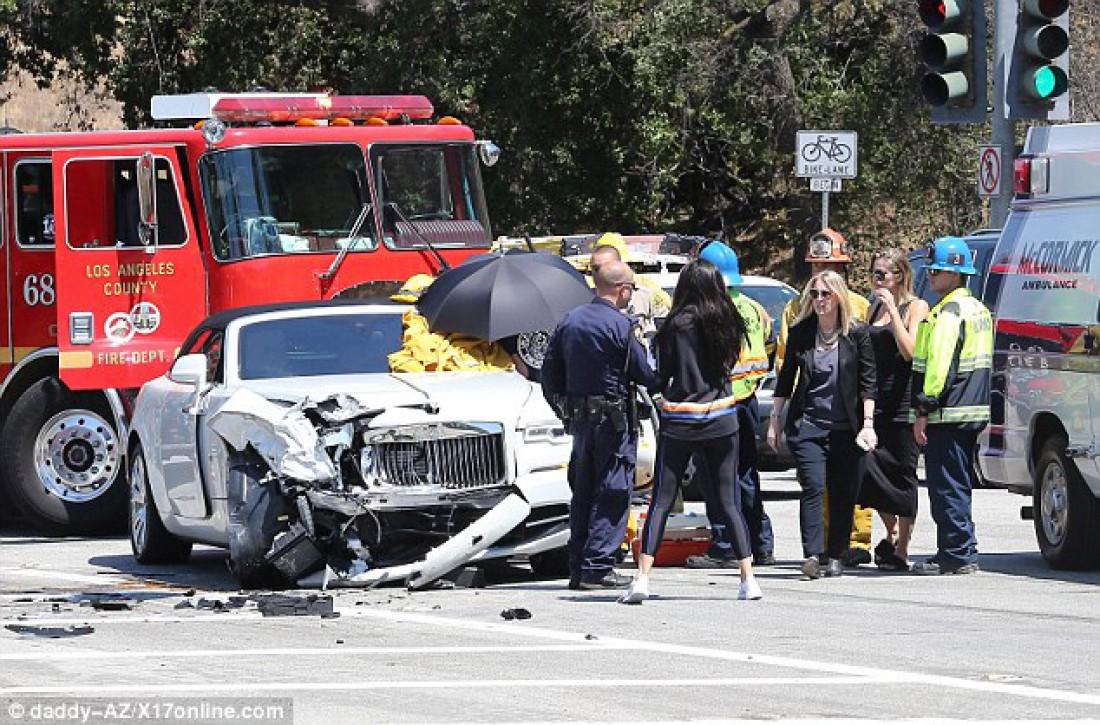 Машина Крис после аварии