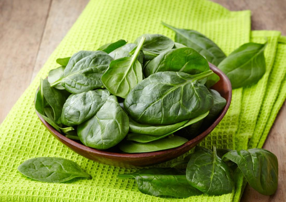 Салат со шпинатом улучшит твое самочувствие