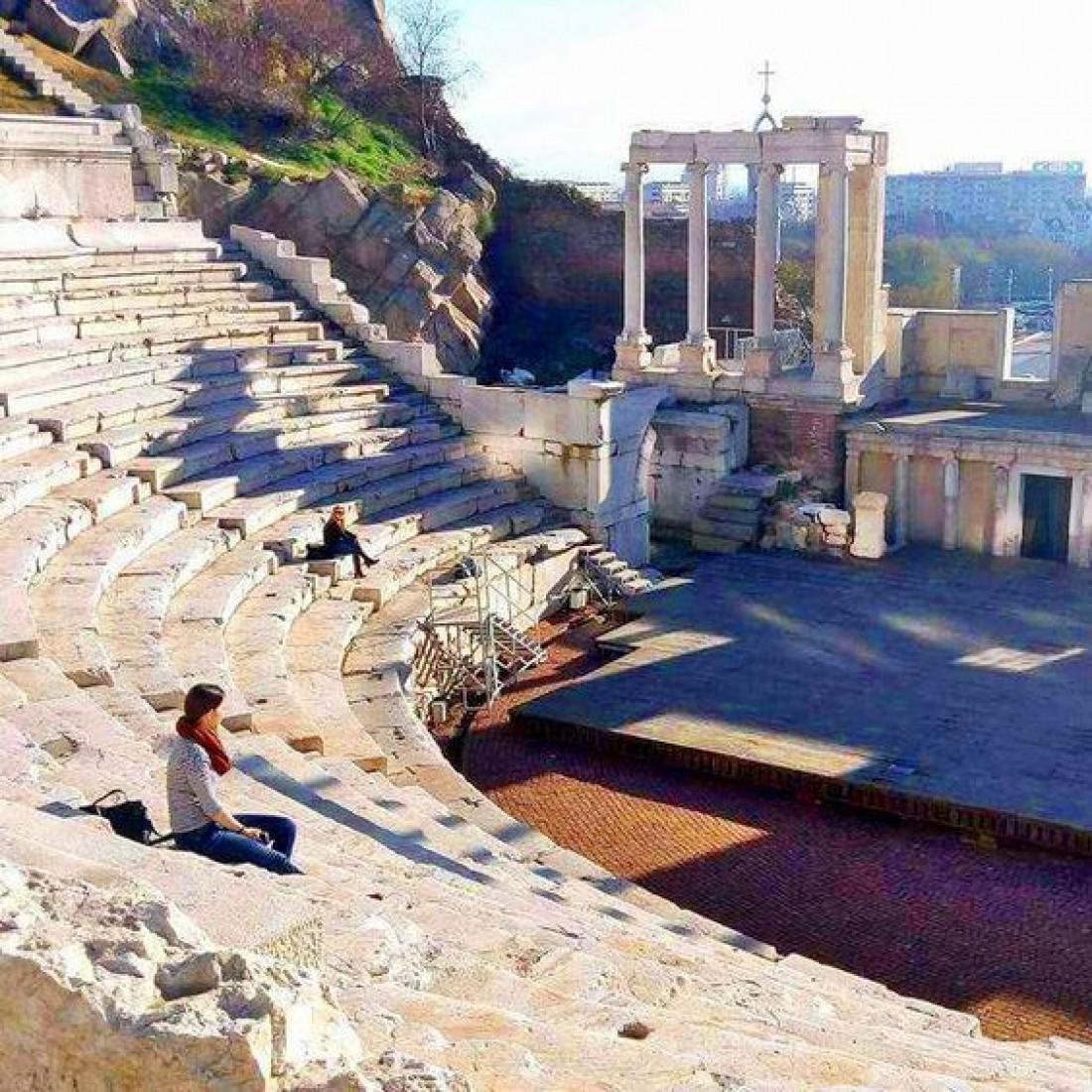 В античном амфитеатре Пловдива до сих пор дают представления