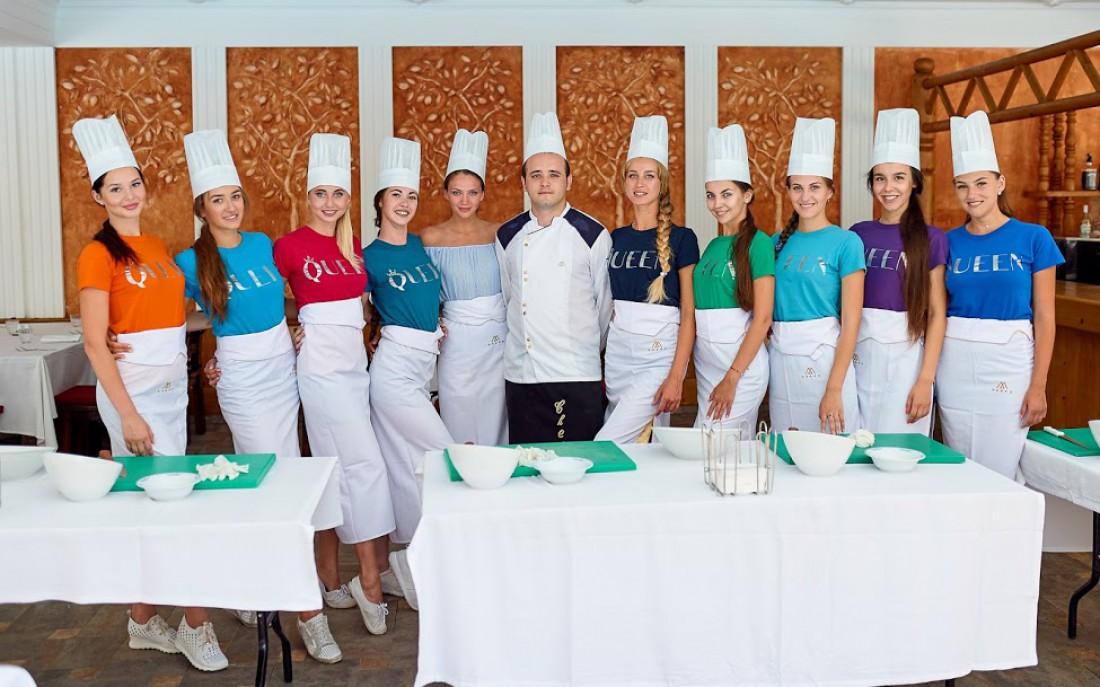 Участницы Healthy Weekend 2017 на кулинарном соревновании