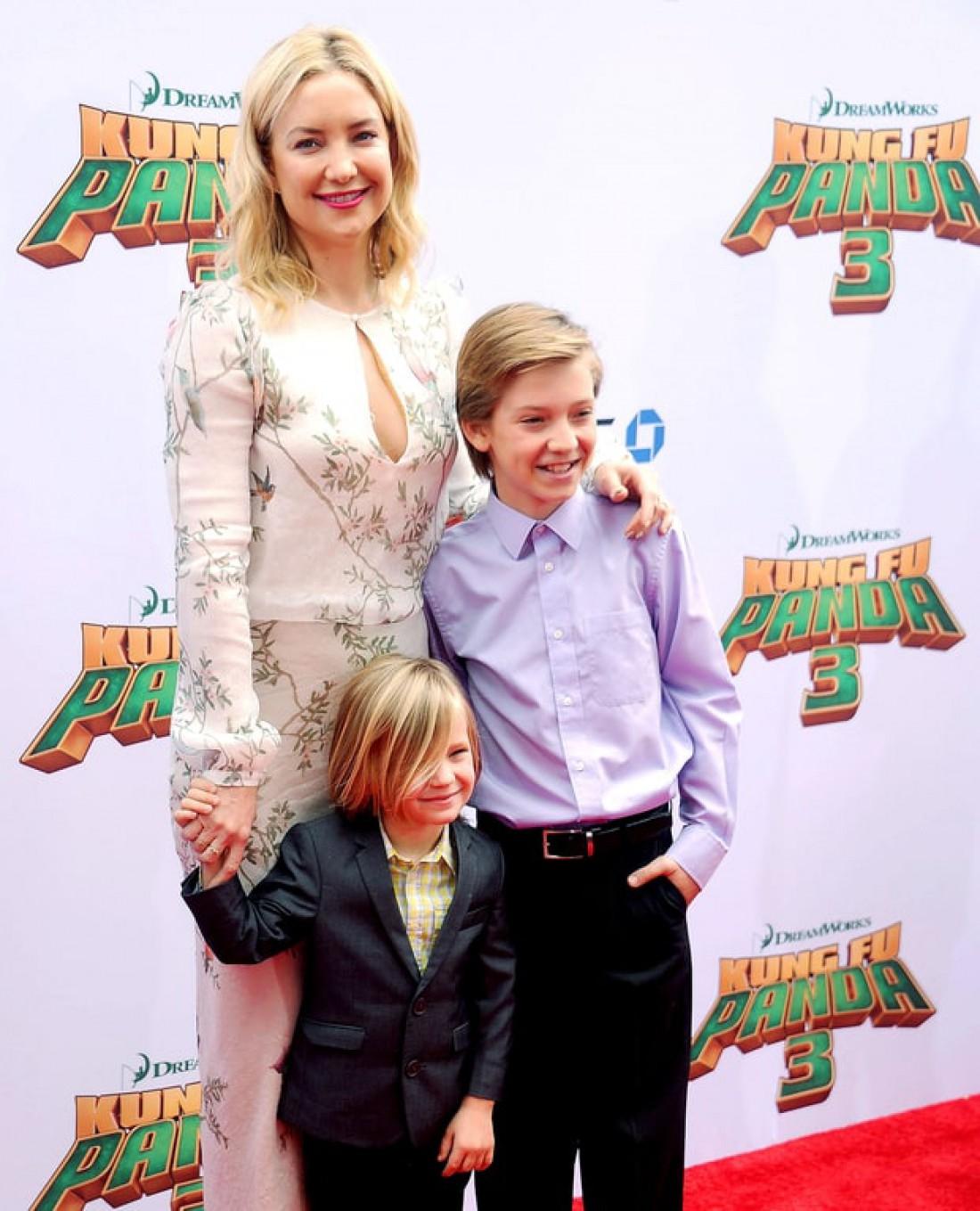 Кейт с сыновьями