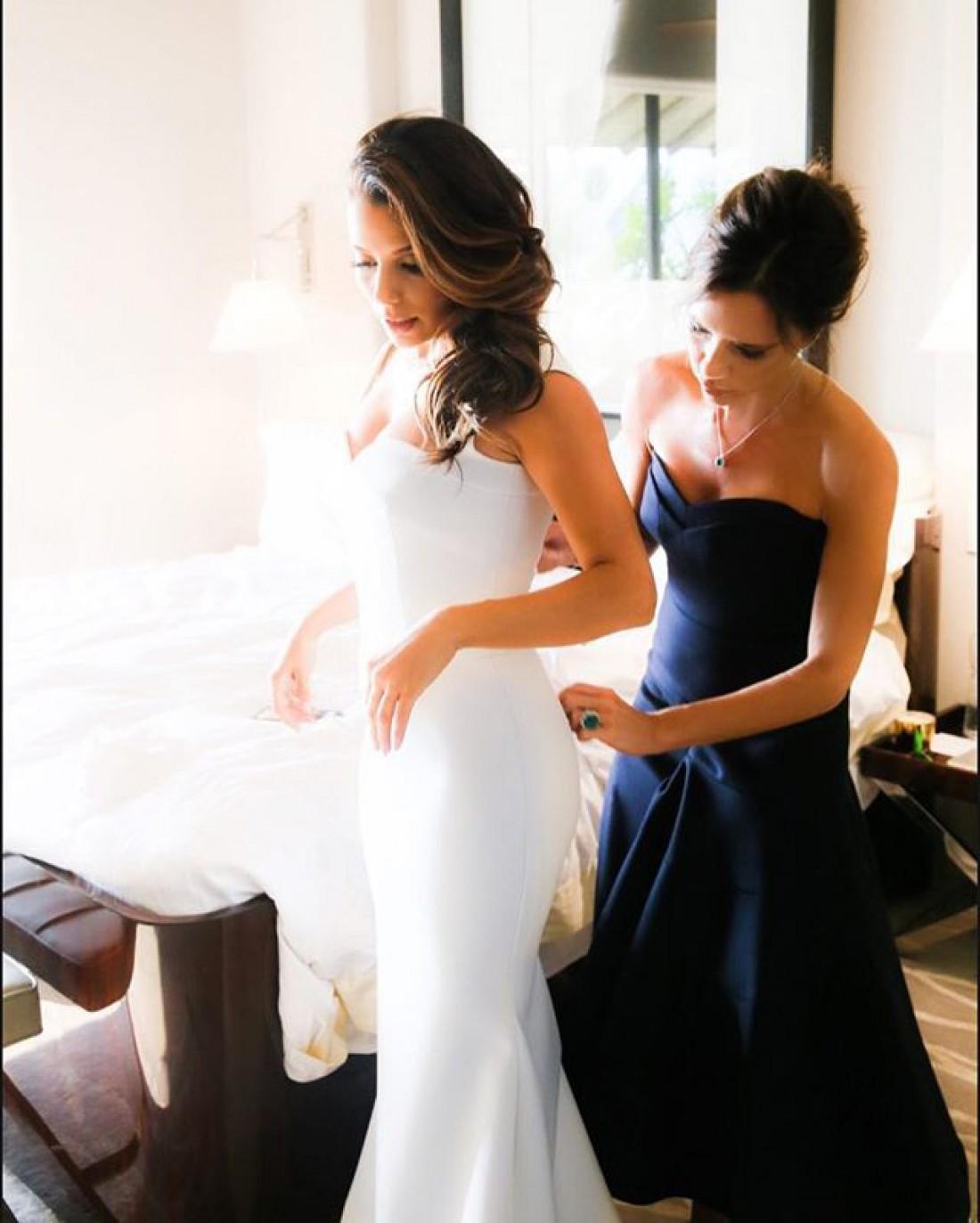 В Сеть попали фото Евы Лонгории в свадебном платье