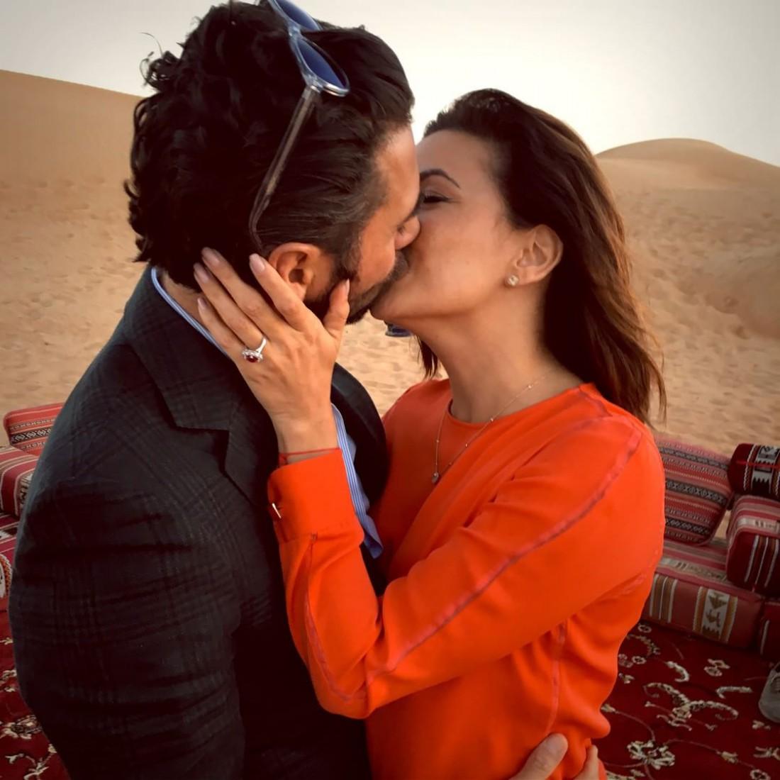 Ева Лонгория обручилась с возлюбленным в Дубаи