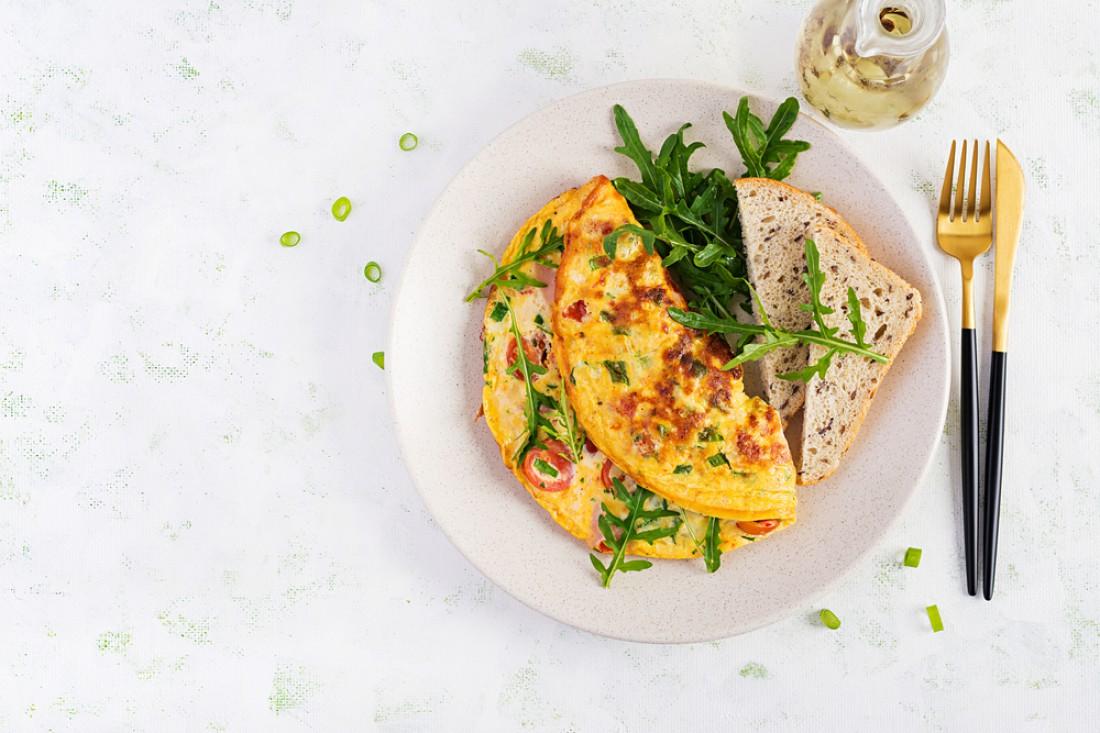 Фриттата с болгарским перцем и брокколи: Рецепт итальянского омлета