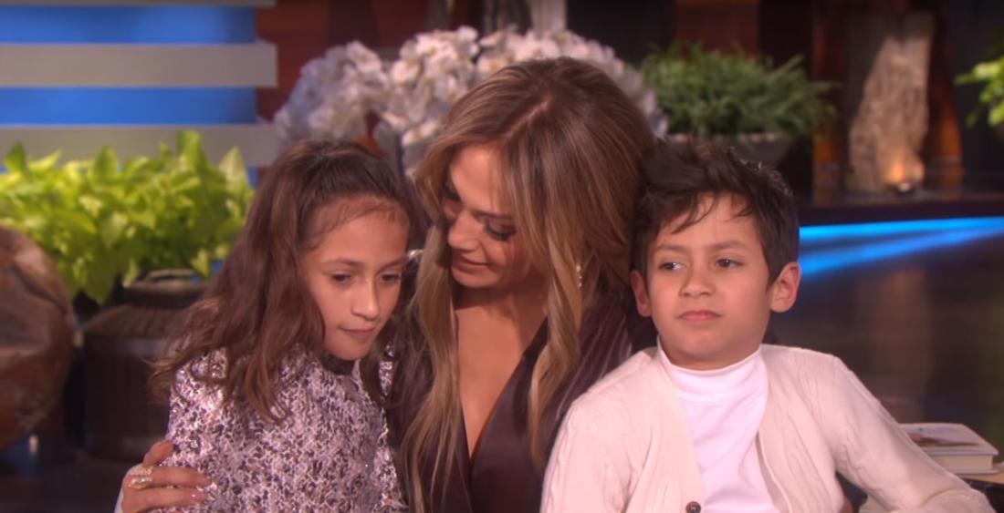 Лопес с сыном и дочкой