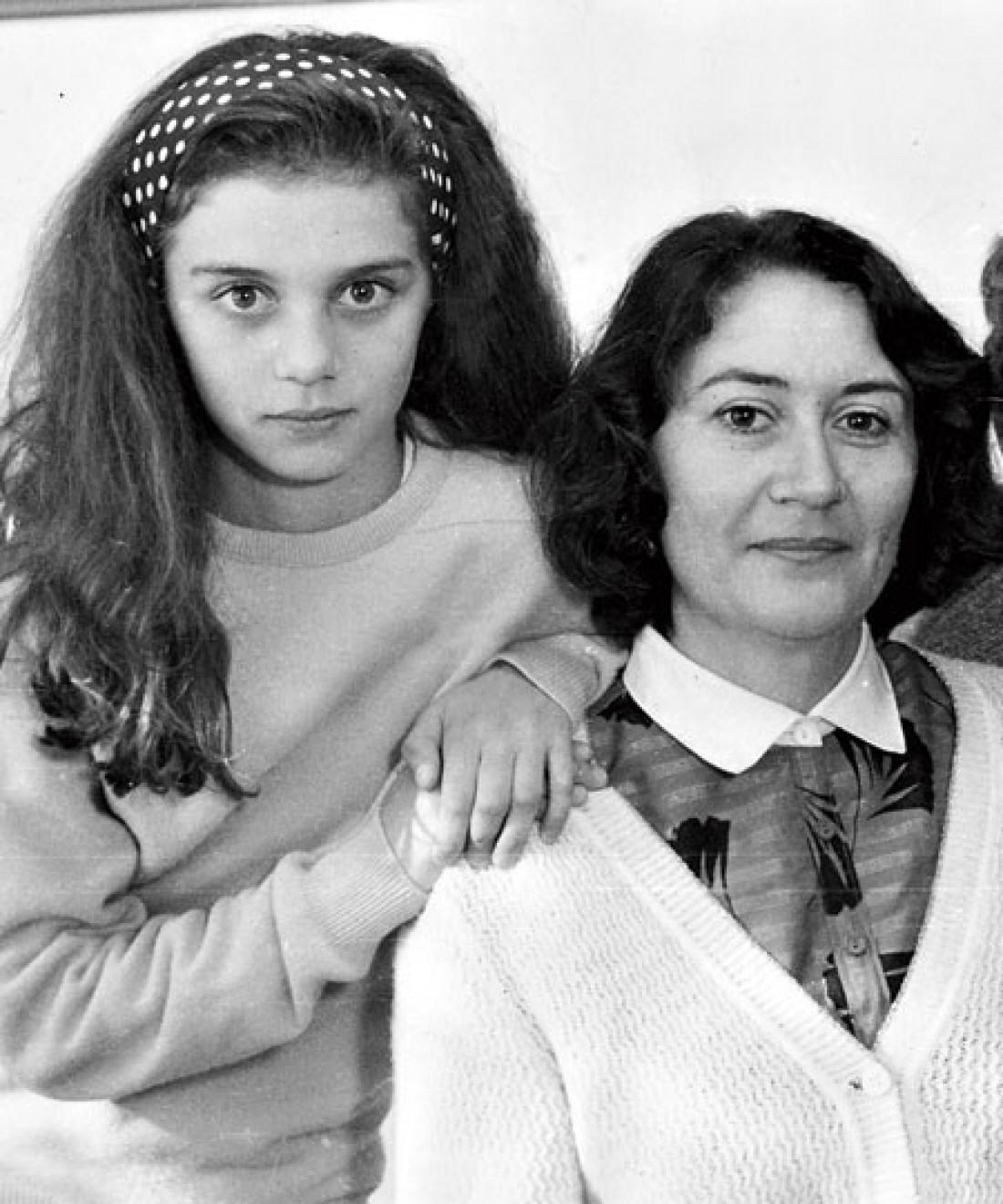 Архивное фото: Седокова с мамой