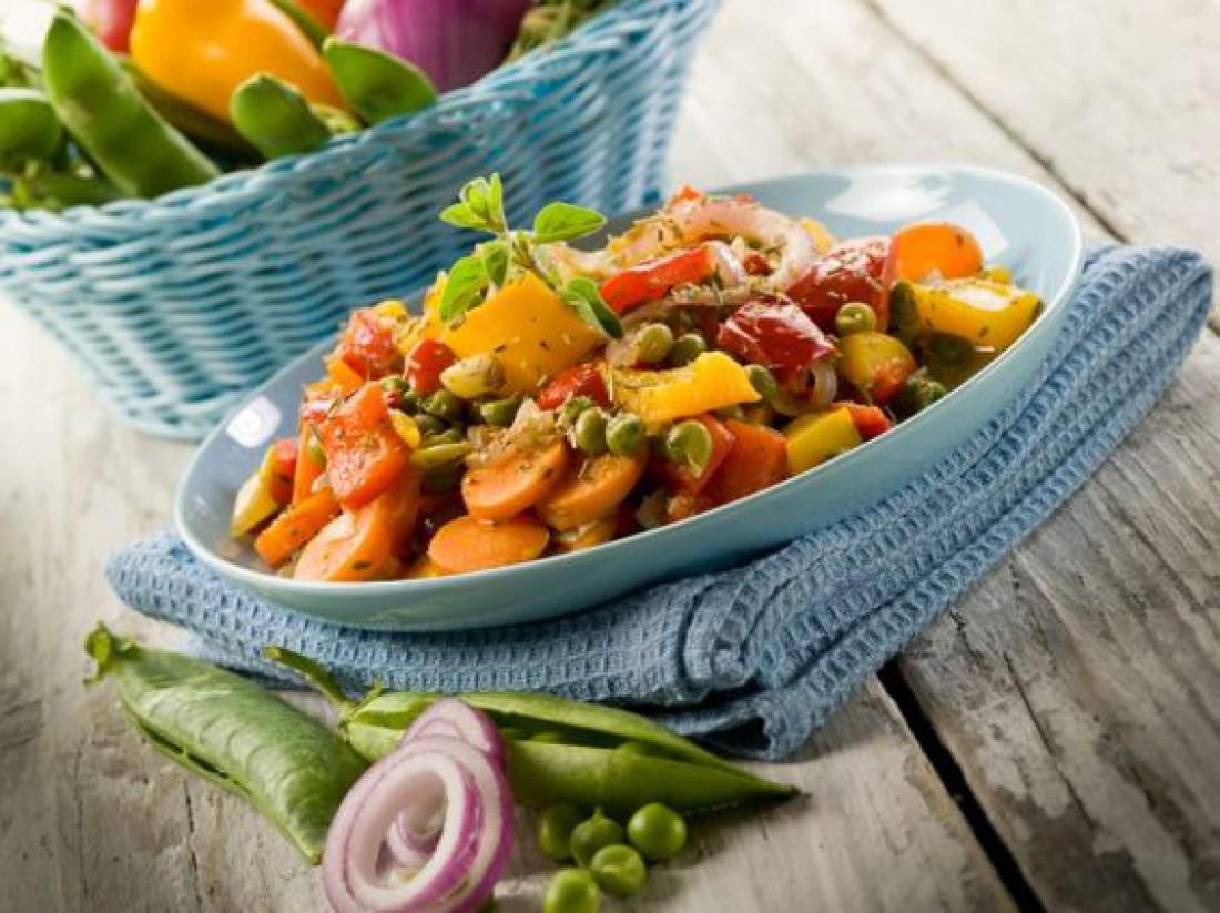 Что приготовить на обед: Постное рагу с кукурузой и горошком