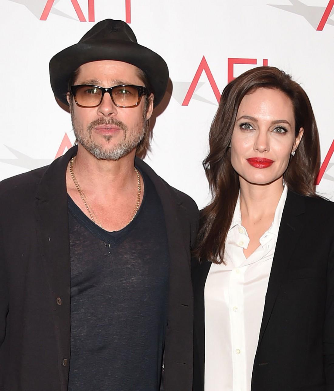 Анджелина Джоли и Брэд Питт проведут Хэллоуин вместе ... анджелина джоли и брэд питт