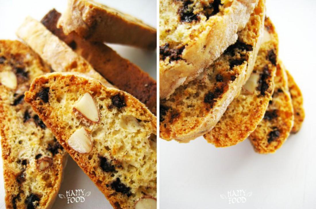 Домашнее бисквитное печенье с миндалем и шоколадом