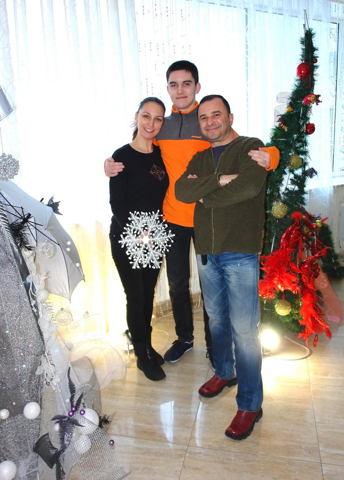 Виктор Павлик с семьей