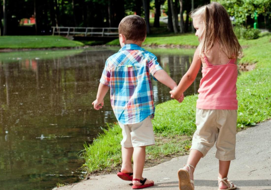 Почему детям полезно гулять?