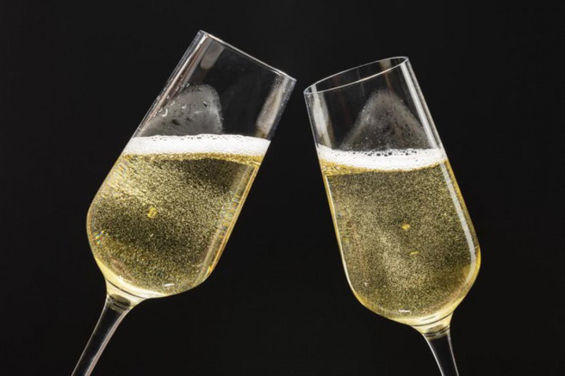 Как безопасно открыть шампанское: Пошаговая инструкция