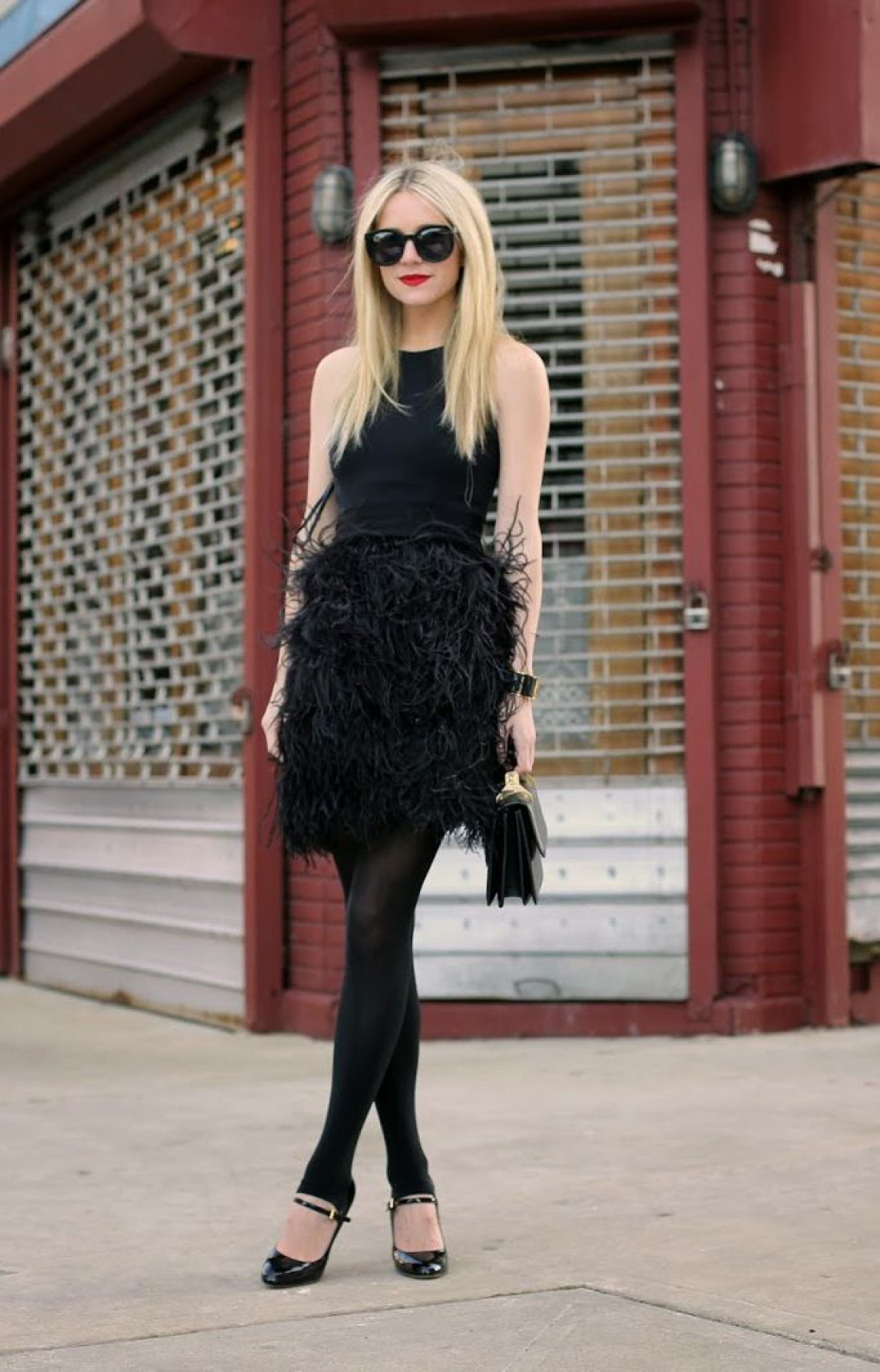 Черное платье для вечеринки