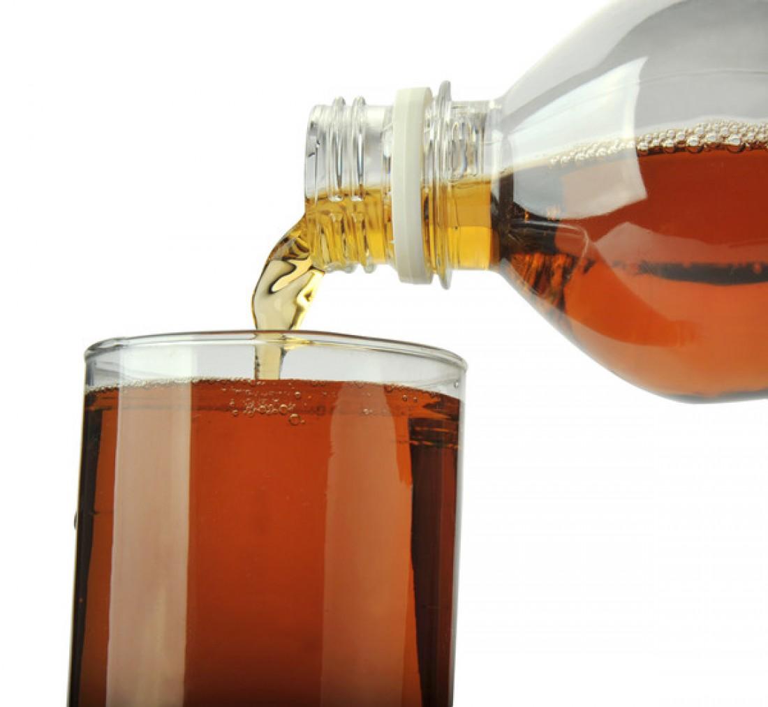 Чай из бутылки провоцирует рост камней в почках